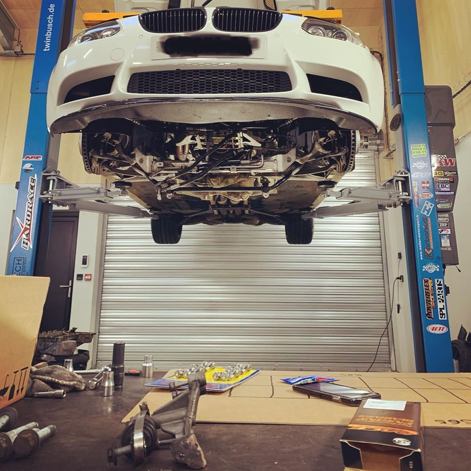 BreizhMotorSport-Bretagne-Ateliers-performence-BMW-pont.jpg